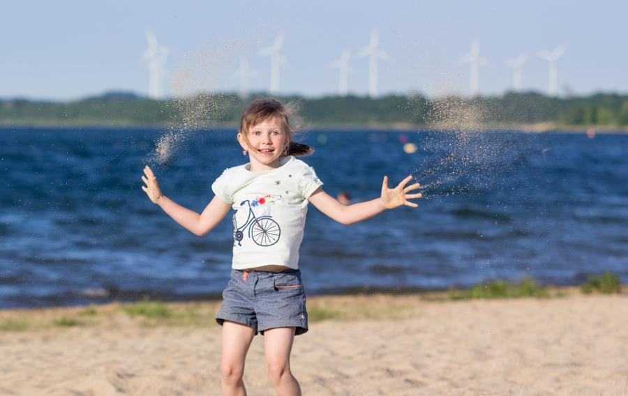 Child on the beach of the Berzdorfer See